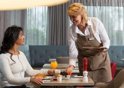 Mercure_Amsterdam_West_Breakfast Service